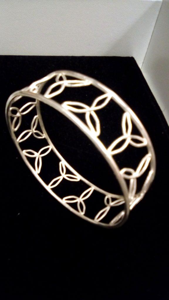 Trillium bracelet