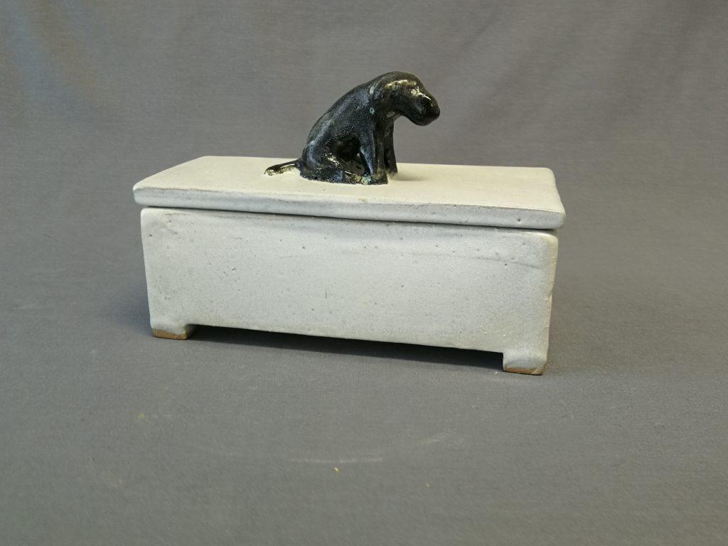 """DOG BOX - 8""""  $100-"""