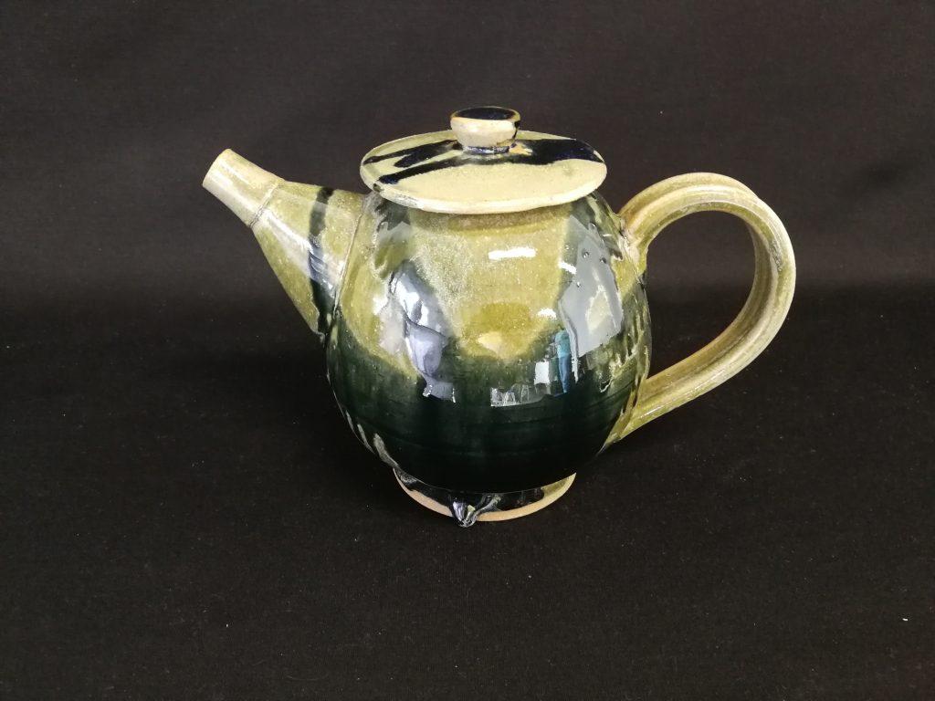 "Teapot (6"") $100-"